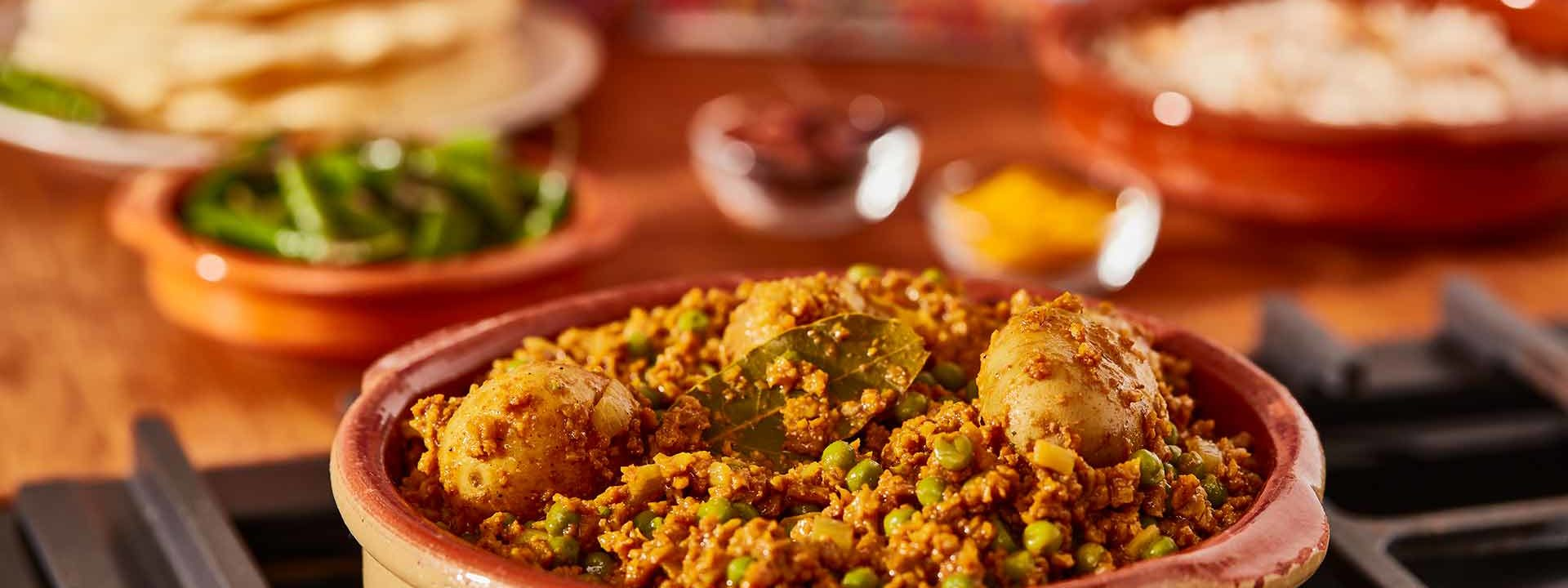 Simpleas vegan aloo keema curry